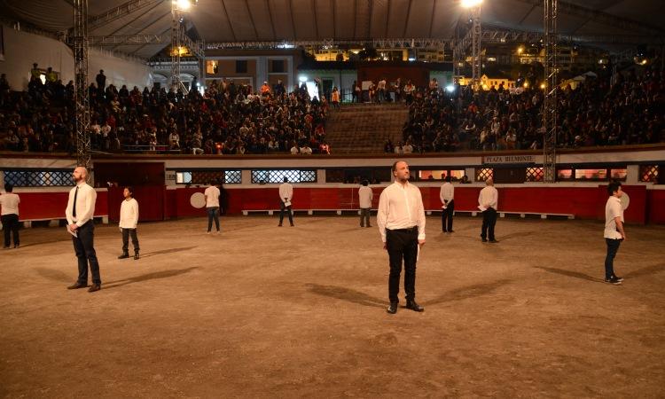 """Participantes en el acto """"De Tu Puño y Letra"""" en el ruedo"""